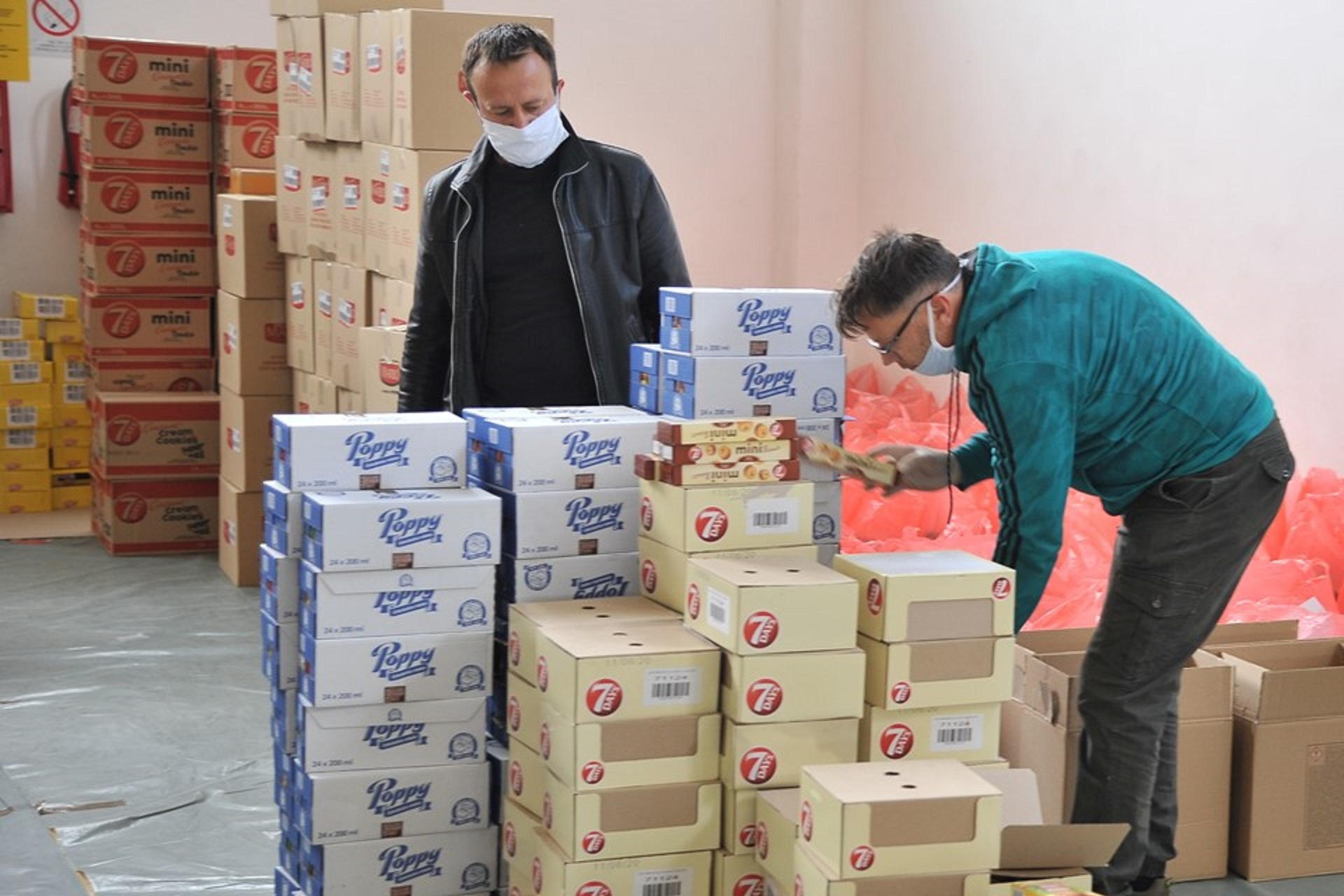 Businesses donated 45 tons of food to 10,000 households in cooperation with NALED